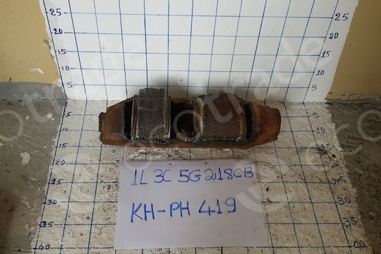 Ford-1L3C 5G218 CBCatalytic Converters