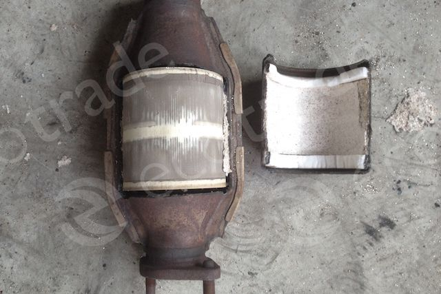 Hyundai  -  Kia-3E020Catalytic Converters