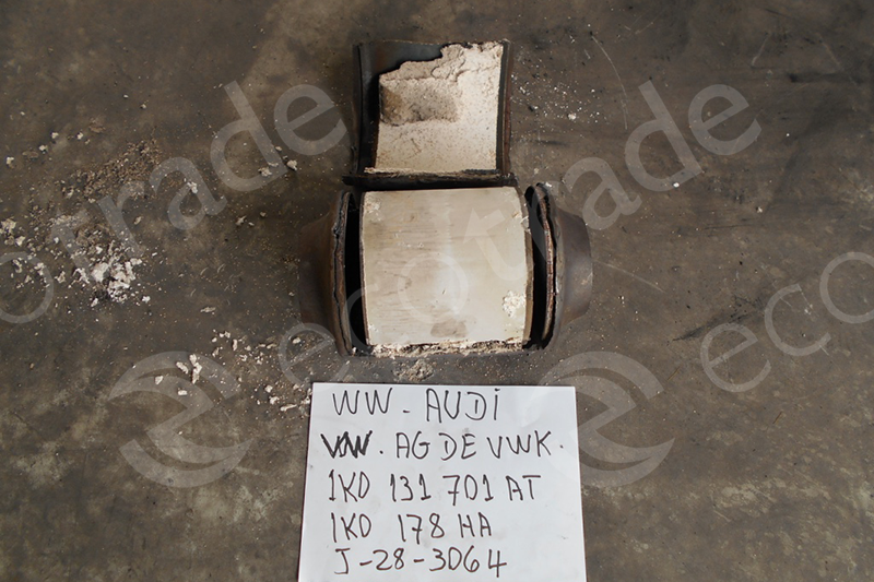 Volkswagen - Audi-1K0131701AT 1K0178HACatalytic Converters