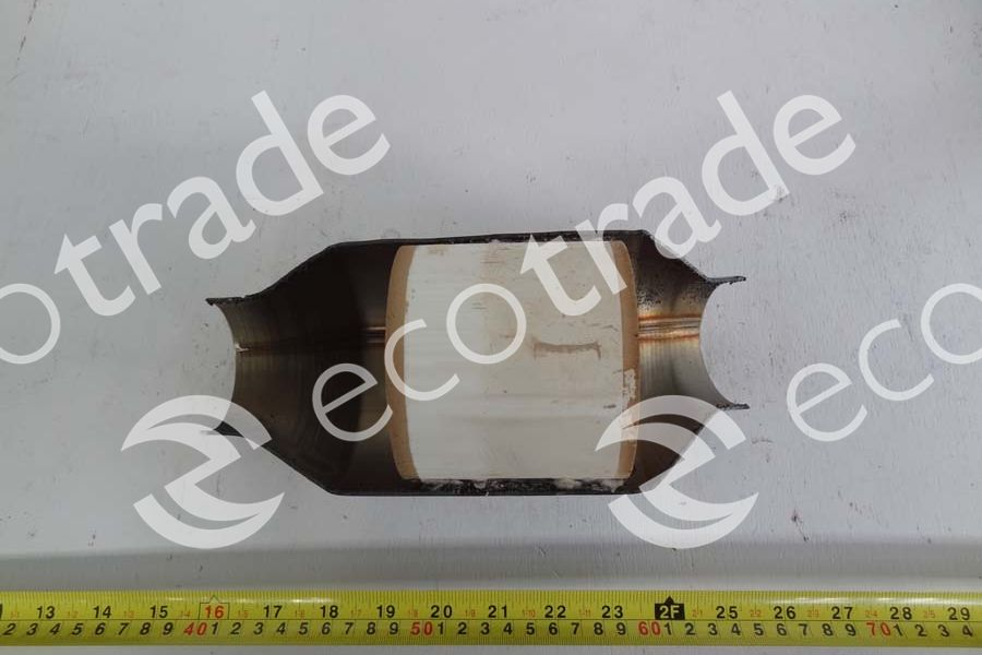 Nissan-3DHEF6Catalytic Converters