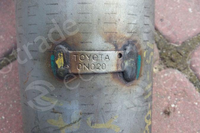 Toyota-0N020Katalysatoren