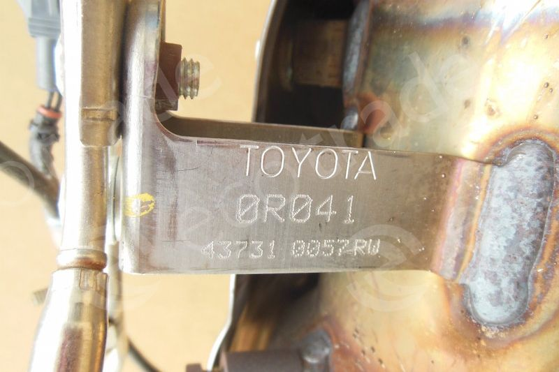 Toyota-0R041Catalytic Converters